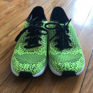 Jessica Simpson Warm Up running shoes  ad71b4ddf21